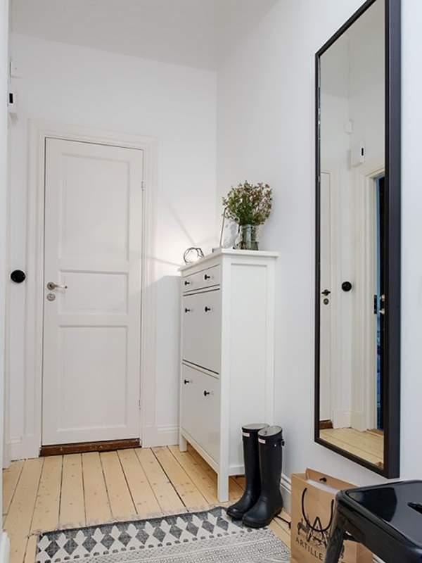 Дизайн маленькой квартиры в хрущевке - скандинавская прихожая