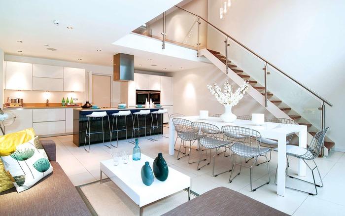 Объединение столовой и кухни в гостиной