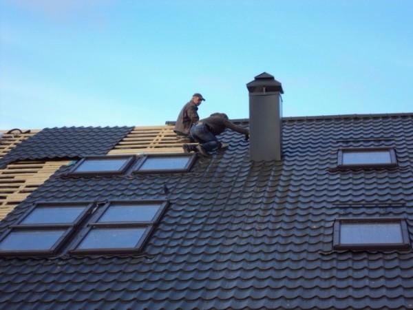 Монтаж крыши из металлочерепицы фото 2