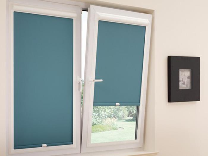 Римские шторы на пластиковые окна фото закрытого типа