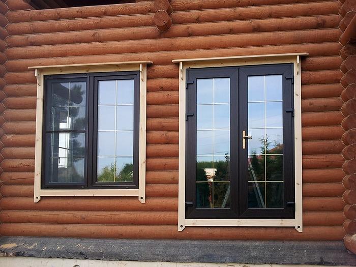 Как вставить окно в деревянном доме фото