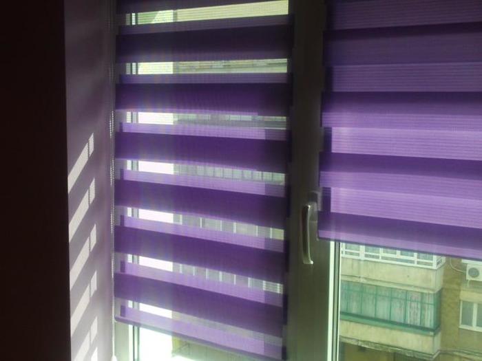 """Фиолетовые римские шторы на пластиковые окна """"день-ночь"""""""