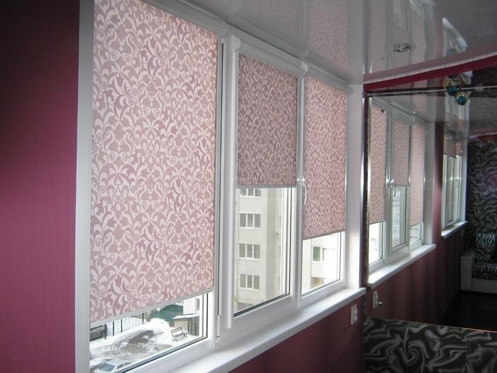 Тканевые римские шторы на пластиковые окна