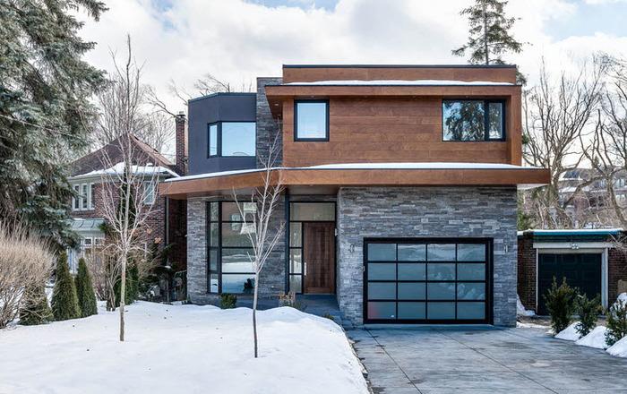 Частный дом с гаражом под одной крышей фото