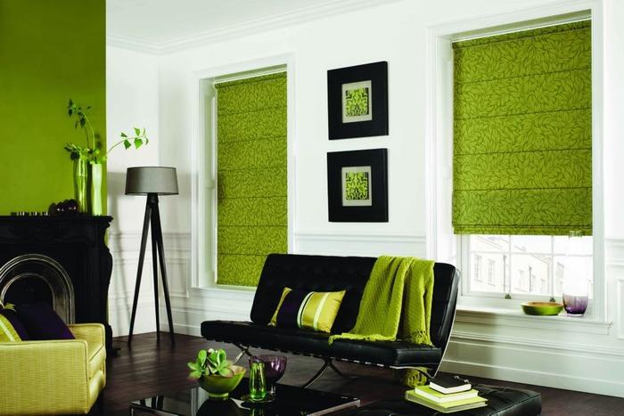 Зеленые каскадные римские шторы на пластиковые окна фото