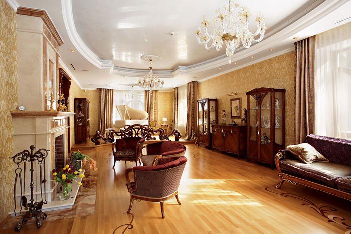 Гостиная частного дома в классическом стиле