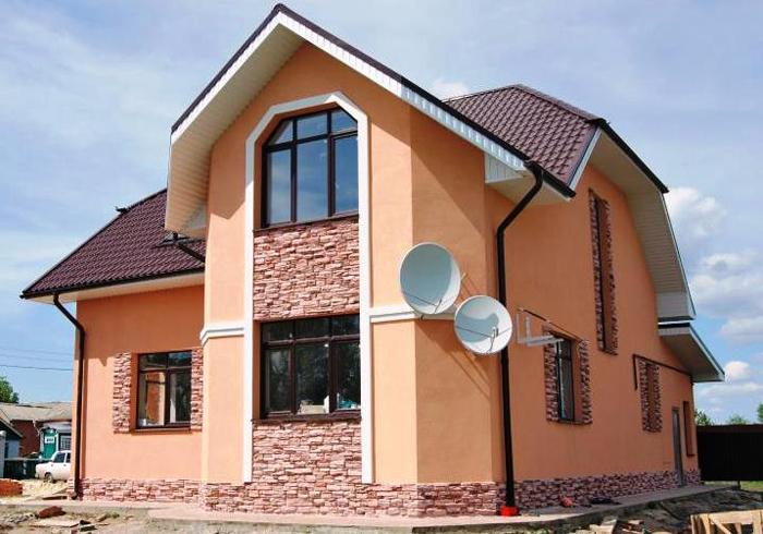 Розовая декоративная штукатурка фасада дома фото