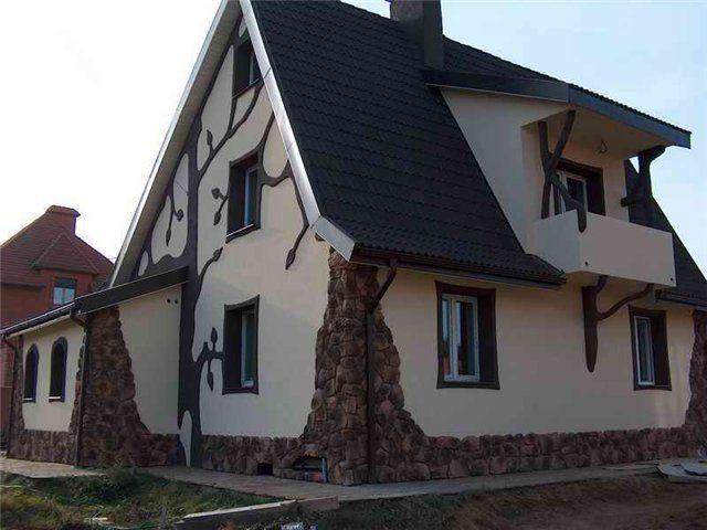 Узоры на фасаде дома