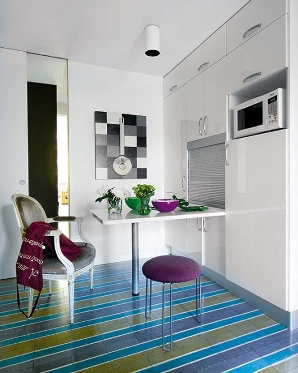 Простой дизайн маленькой кухни в современной квартире