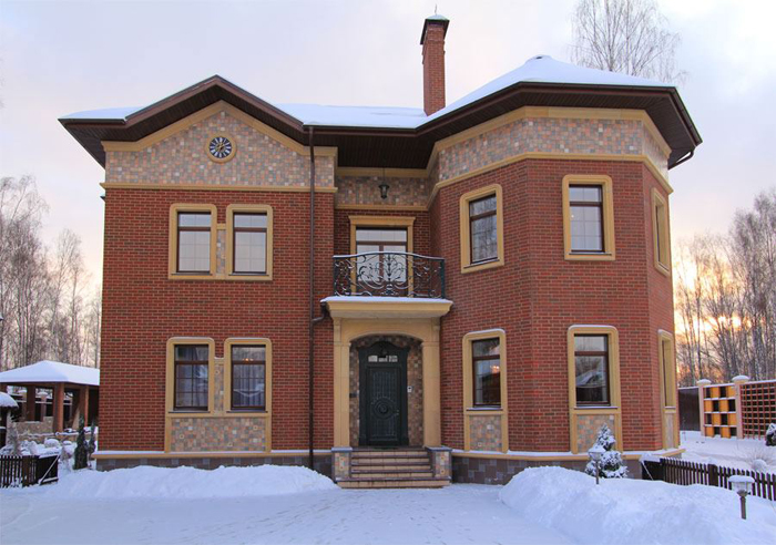 Декоративное оформление фасада дома кирпичом фото