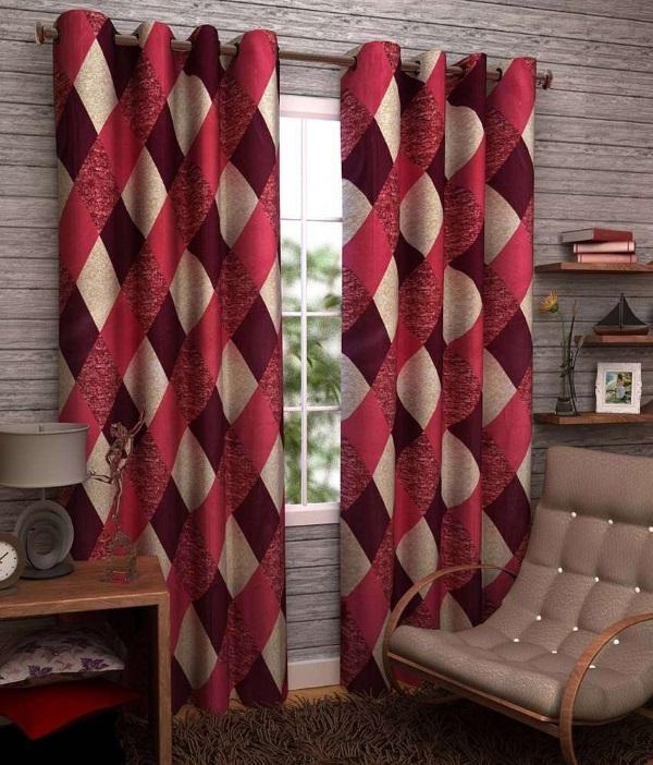 Красные шторы на люверсах в гостиную в современном стиле