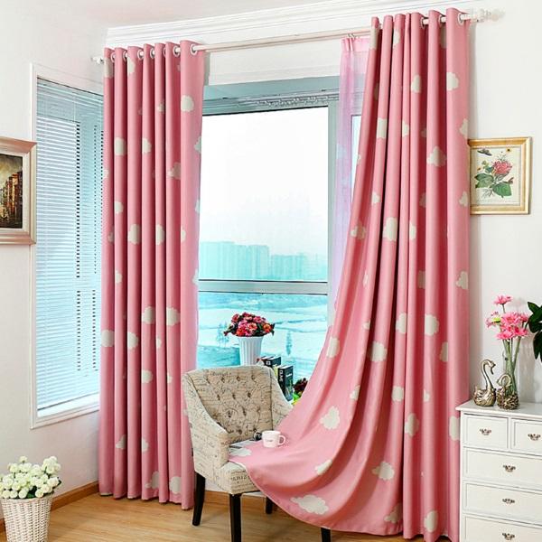 Розовые шторы на люверсах в спальню