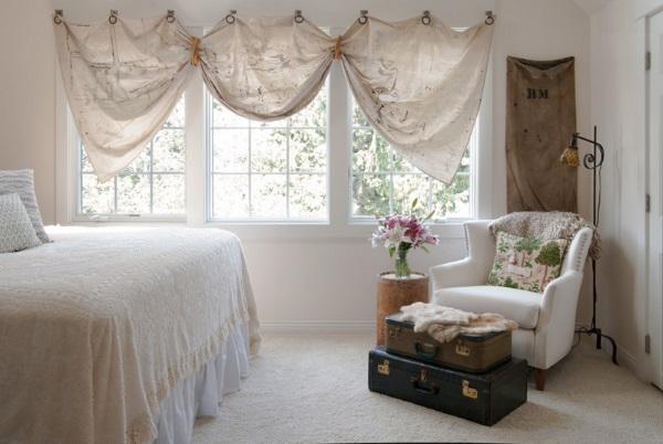 Оригинальные шторы на люверсах в спальню - идеи дизайна