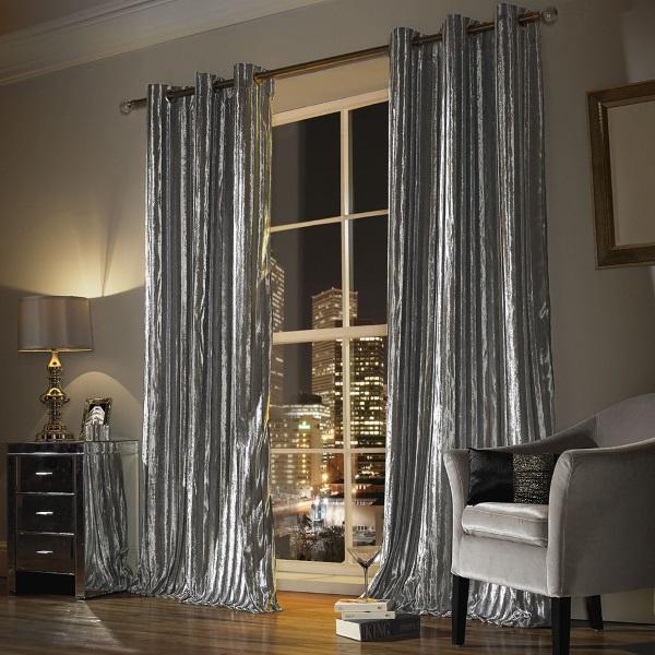 Стильный дизайн штор на люверсах серебристого цвета