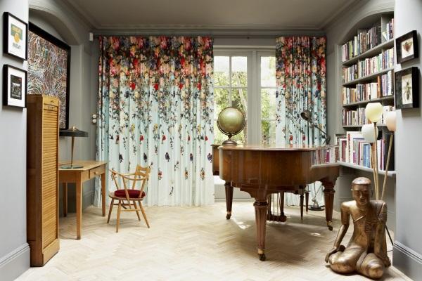 Красивые шторы на люверсах - фото с цветами