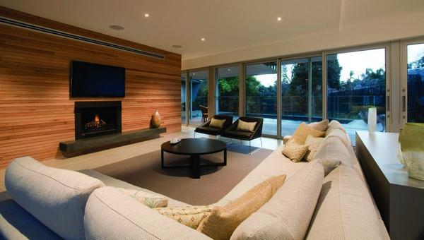 Дизайн гостиной в частном доме в стиле ретро