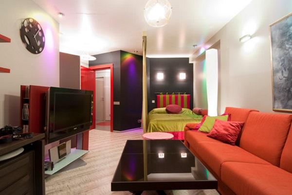 Яркий дизайн однокомнатной квартиры 30 квадратов