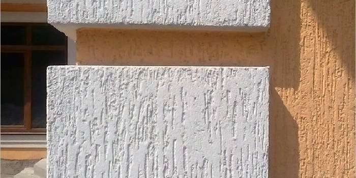 Оригинальная штукатурка короед на фасадах домов − 30 фото