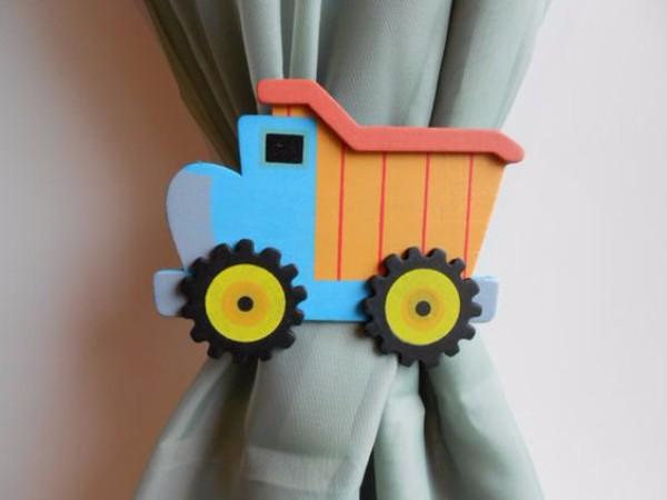 Держатель для детских штор машинка