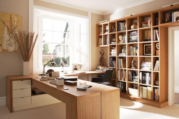Мебель для кабинета в квартире в бежевых тонах фото 4