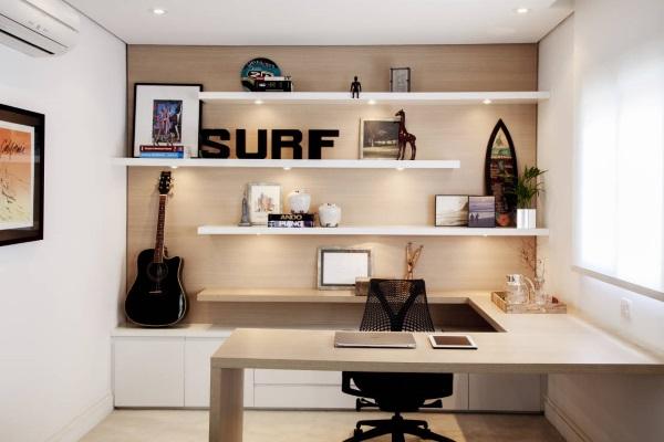 Молодёжный интерьер кабинета в квартире