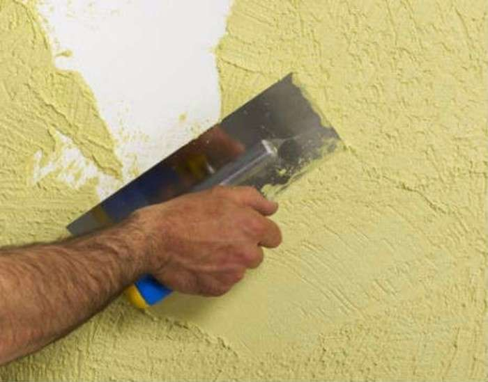 Нанесение короеда на стену