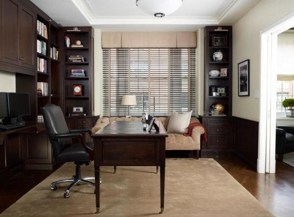 Строгое оформление кабинета в квартире