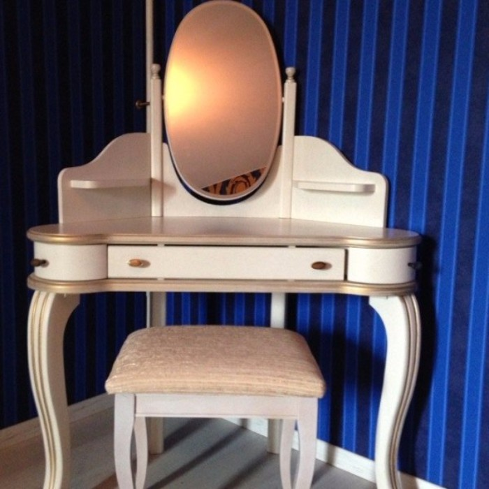 Туалетные столики с зеркалом для спальни фото 13