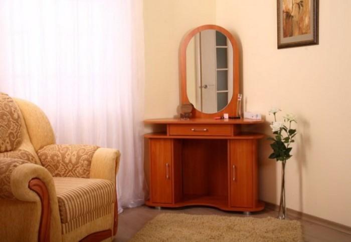 Угловой туалетный столик для спальни фото 35