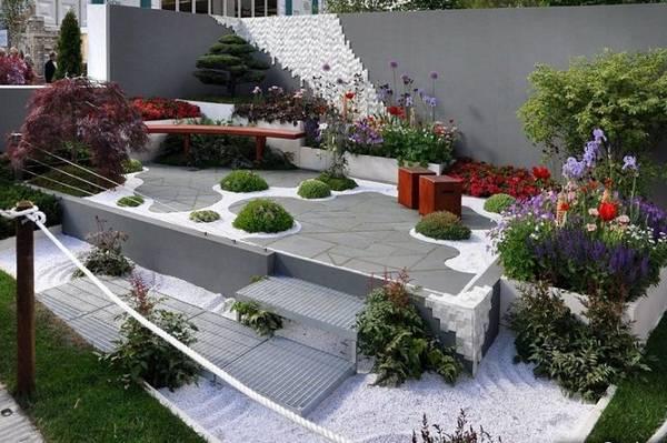 Ландшафтный дизайн двора частного дома, фото 17