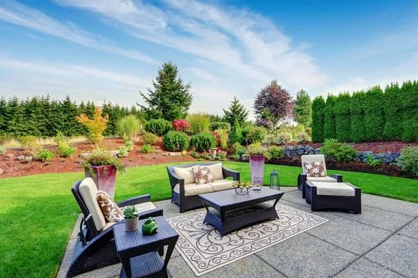Ландшафтный дизайн двора частного дома, фото 5