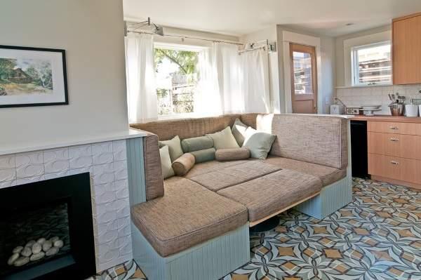 большой угловой раскладной диван на кухню