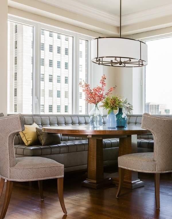 габаритный угловой диван на кухню