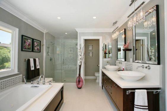 Стильная ванная в частном доме, фото