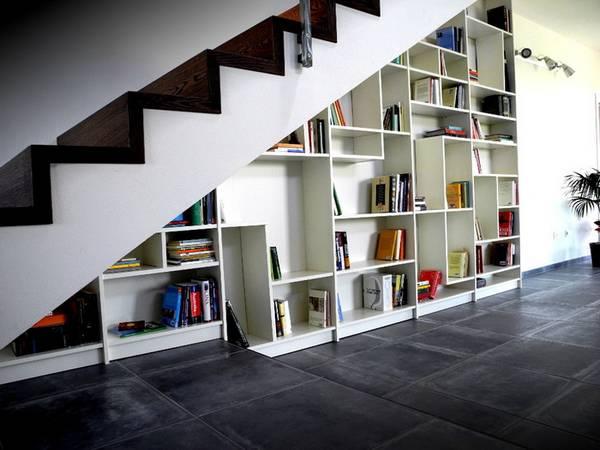 шкаф под лестницей в частном доме, фото 16