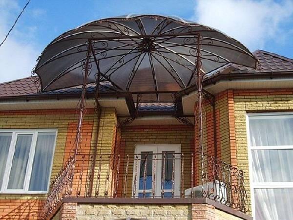 Красивые навесы из поликарбоната в частном доме, фото 20