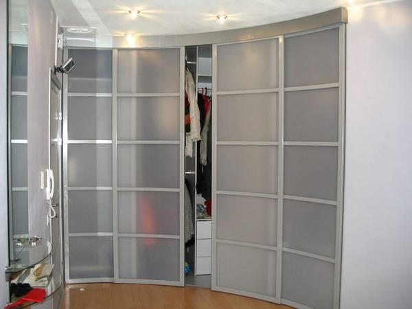 радиусные раздвижные двери для гардеробной, фото 27