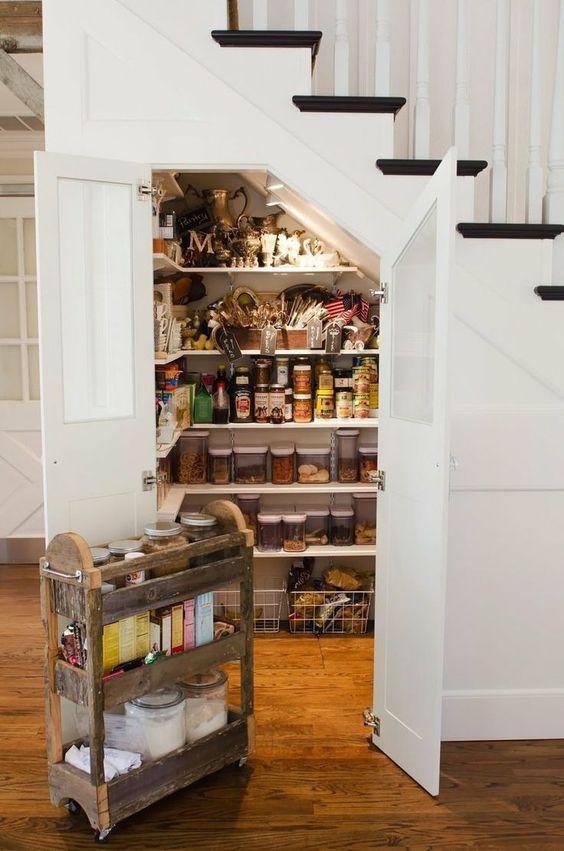 шкаф под лестницей в частном доме, фото 8