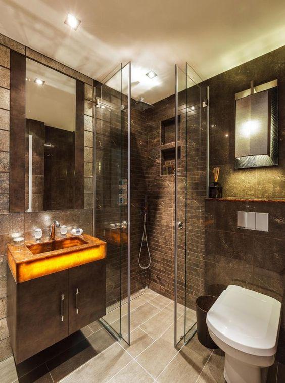 Стеклянные двери в душ раздвижные в итерьере