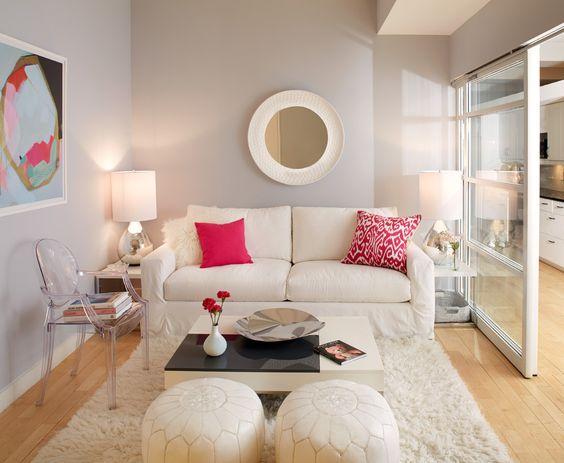 Светлый диван на кухню со спальным местом