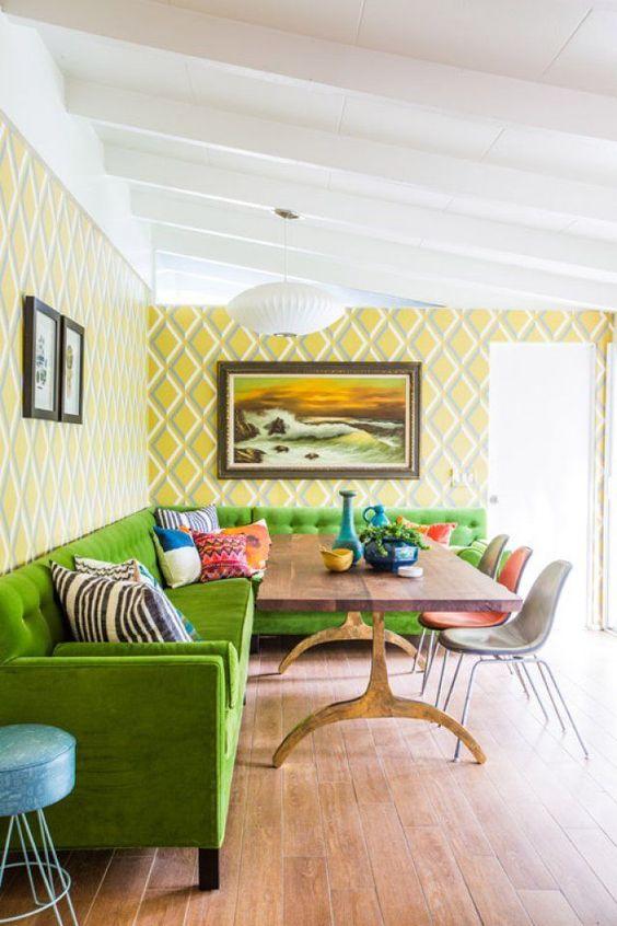 Зелёный диван на кухню со спальным местом