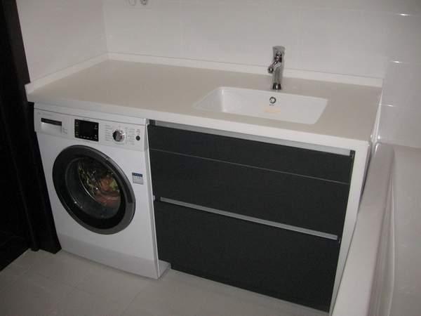 Интересный дизайн ванной со стиральной машиной