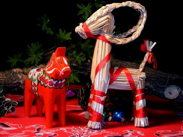 Новогодние игрушки своими руками 2018 — оригинальные украшения на 45 фото