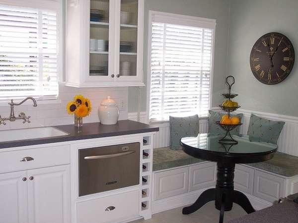маленькие круглые столы на одной ножке, фото 4