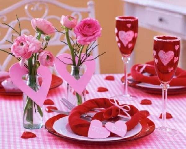 Картинки по запросу как украсить стол на день святого валентина своими руками