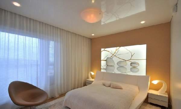 одноуровневые натяжные потолки спальня, фото 20