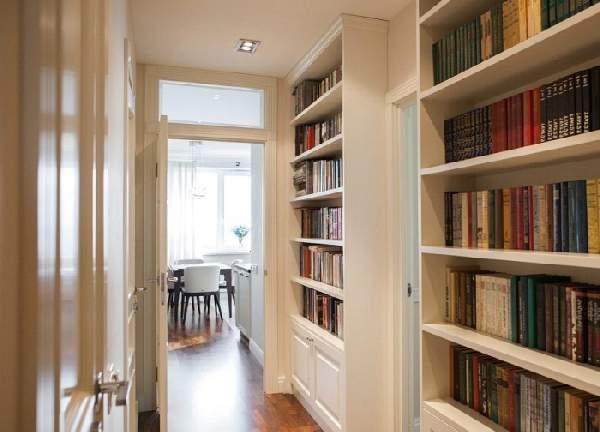 книжный шкаф в коридоре, фото 43