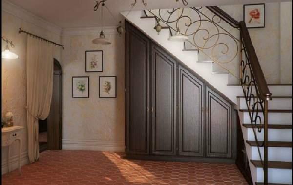 шкафы под лестницей в загородном доме, фото 7