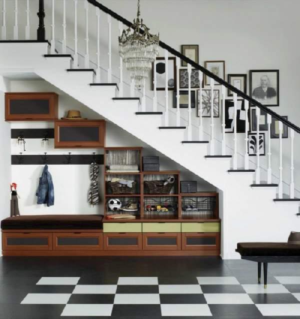 шкафы под лестницей в прихожей, фото 13