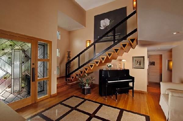 прихожая в доме с лестницей дизайн фото, фото 39